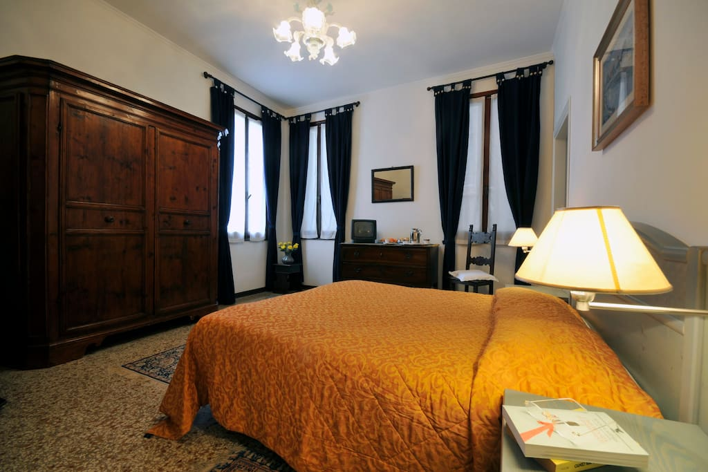 Rent A Room In Venice Italy