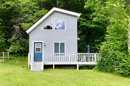 Modern Catskills Tiny House  Near Hiking Trails