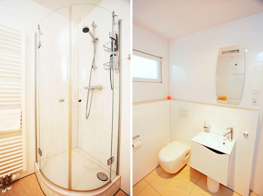 Neuwertiges und sehr sauberes Dusch/WC zur alleinigen Nutzung.