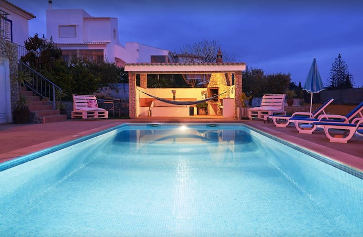 Vacation Villa Carvoeiro with Private Pool, Sea View, Wi-Fi, A/C, Garden & Terrace; Parking on Street Available