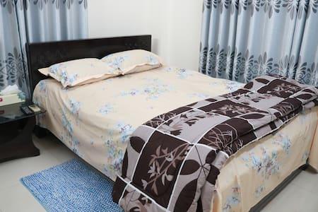 Ensuite Queen Bedroom in Banani,Heart of DHAKA