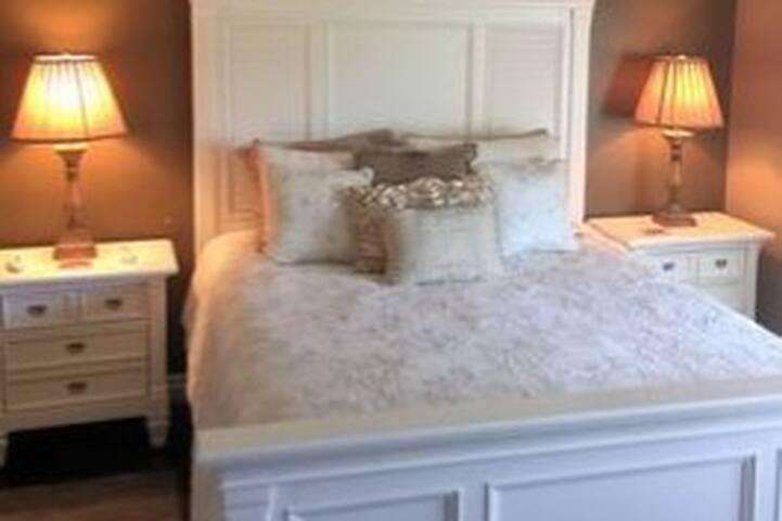 2 Bedroom Hilltop Resort Condo Sleeps 6
