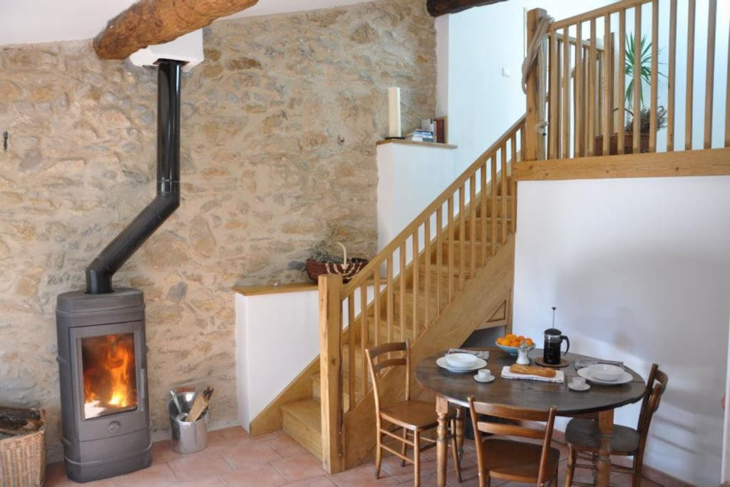 All-year round artist's retreat in a restored stone barn overlooking the foothills of the French Pyrenees in the unspoilt wine region of Languedoc-Rousillon.