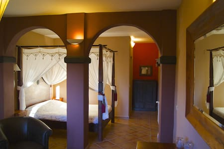 junior suite in bed and breakfast - Bolulla