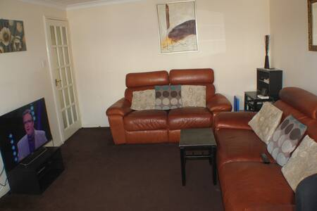 Very Nice and cosy Two Bed Flat - Grays