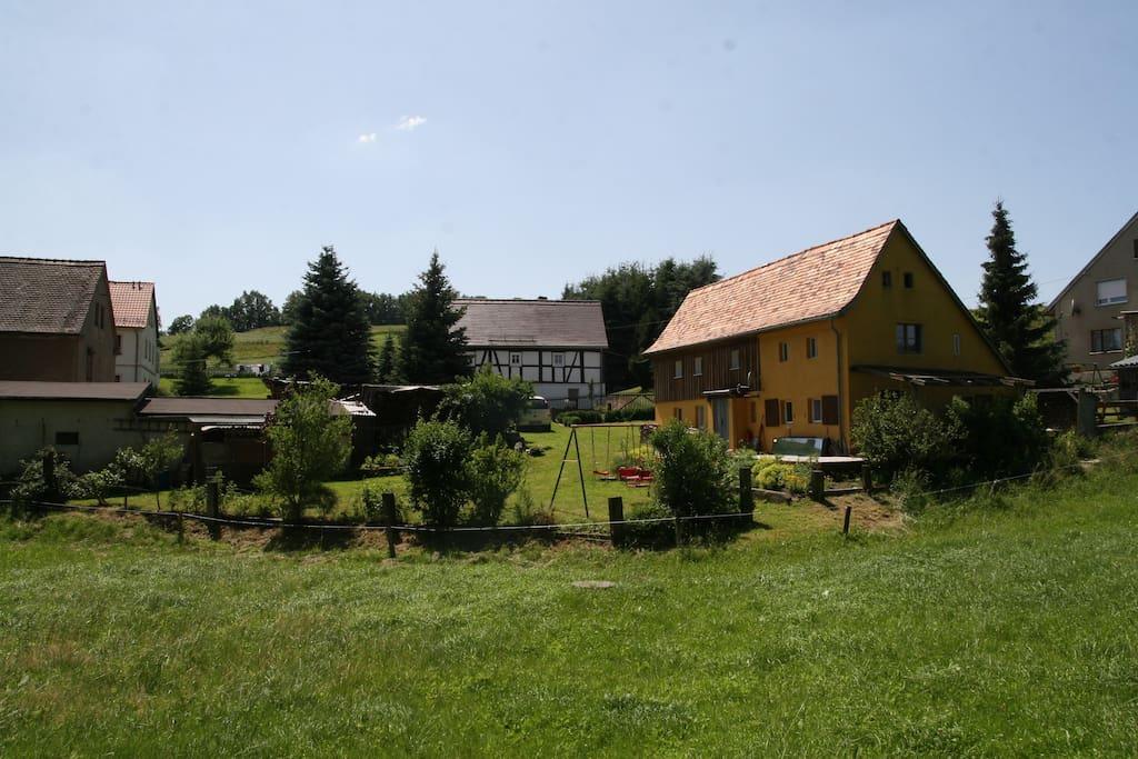 Grundstück und Umgebung