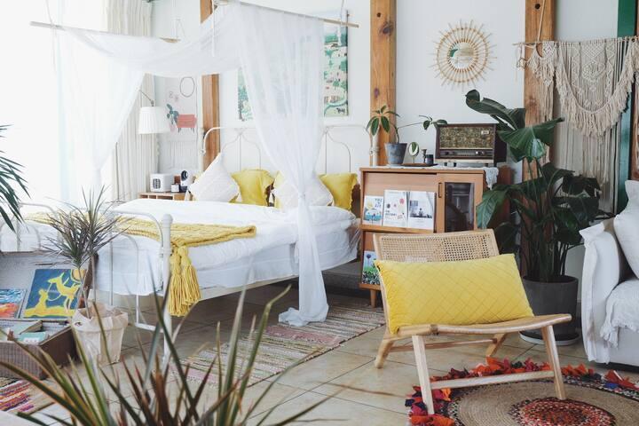 薇安-好梦/咖啡馆里的花园阁楼。