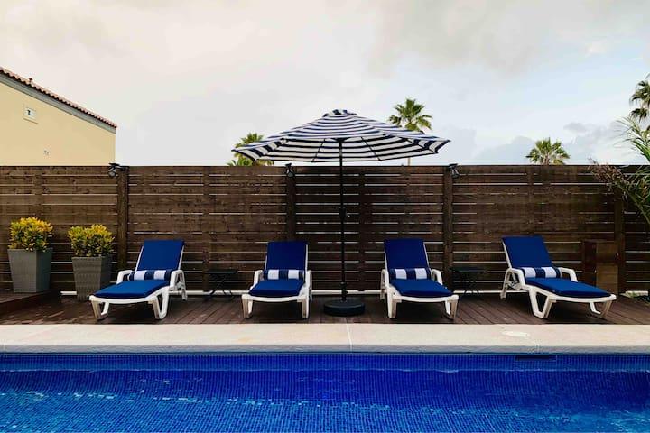 Brand New Luxury Modern House w/Heated PrivatePool