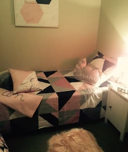 Single room in CBD - Kalgoorlie