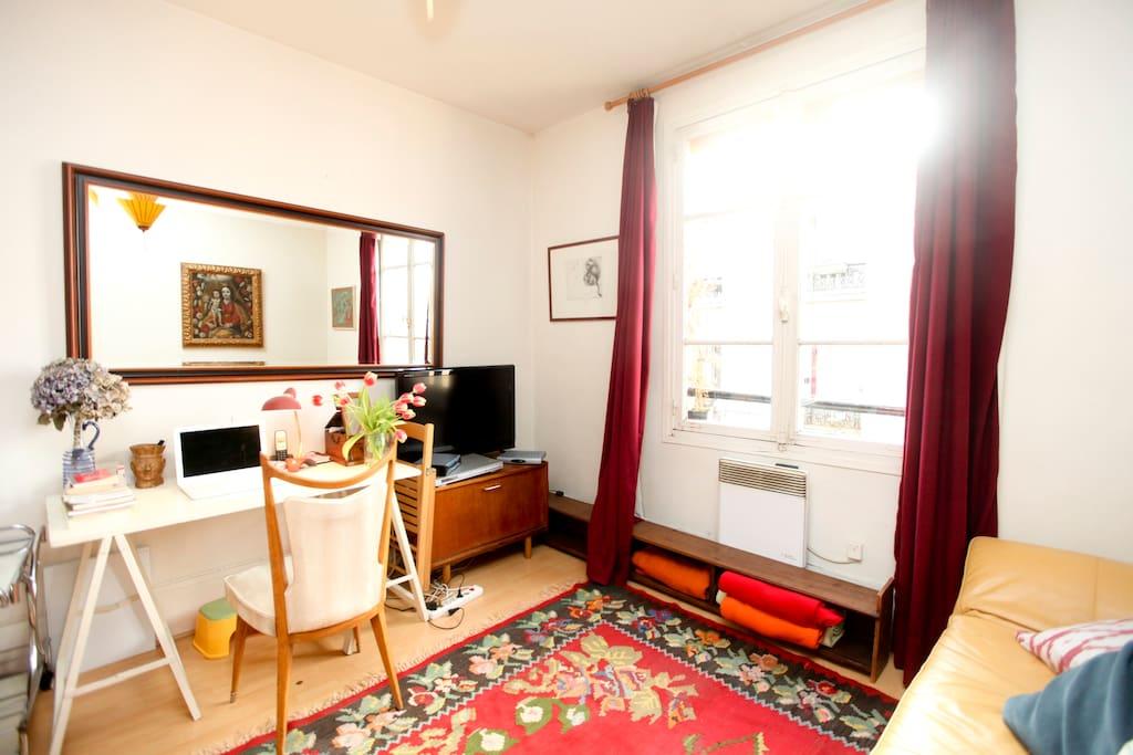 Living room with desk - Salon avec bureau