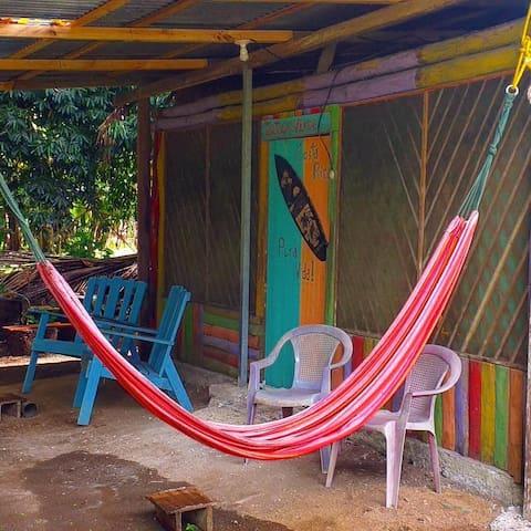 Sala de estar de Cabina Tortuga Verde frente al Golfo Dulce