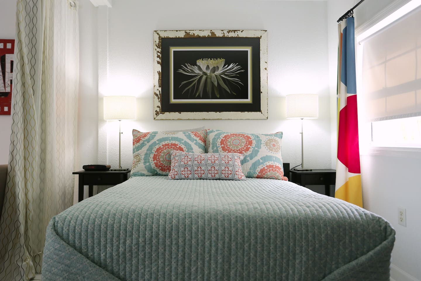 The guesthouse features original artwork by a local photographer and full size bed.