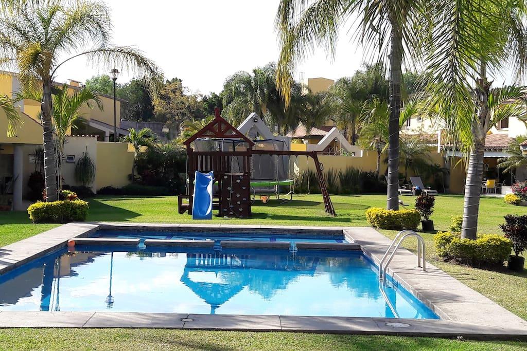 Alberca / Swimming Pool