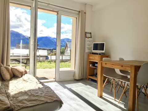 1 Bedroom Apartment & Garden Mountain