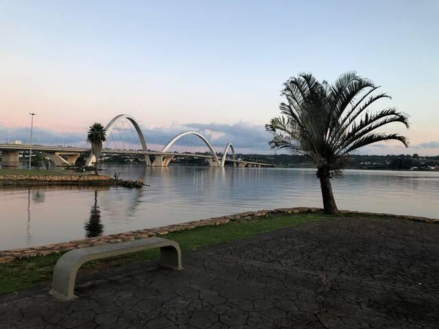 Quarto no coração de Brasília - asa norte