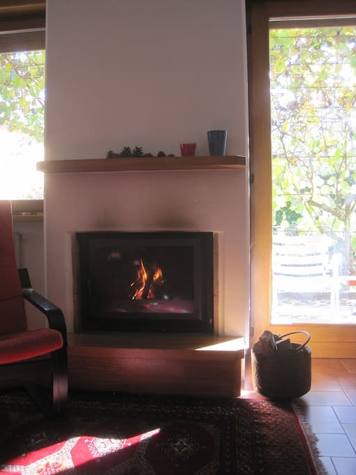 Un po' di fuoco per scaldare le giornate più fresche / The fireplace