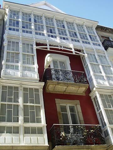 Galicia: Modernist house in Ferrol - Ferrol