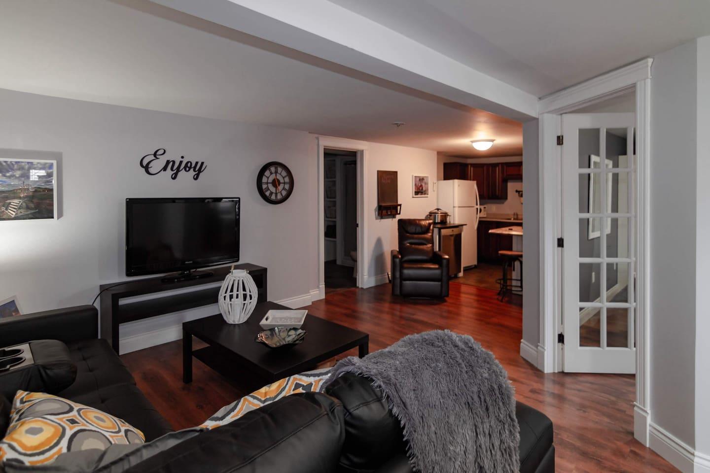 Open concept livingroom/kitchen