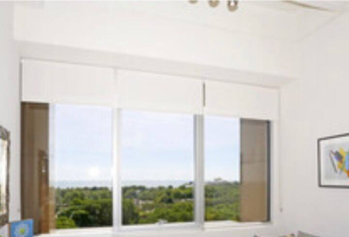 Luxury/condominium/  Free WiFi Fantastic view