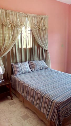 Orchard View Guest House RM#1 - Lucea