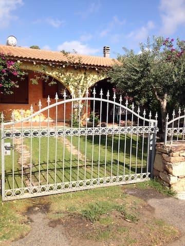 San Teodoro Villa Martina - Suaredda-traversa - Dom