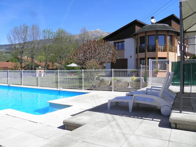 Appart T3 / 70 M2~ Dans Villa avec Piscine privée - Chorges - Apartemen