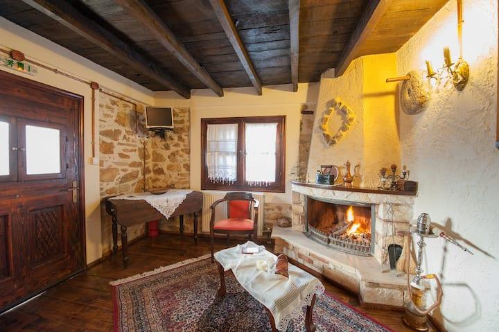 To Archontiko Guest House Villa  - Family Suite