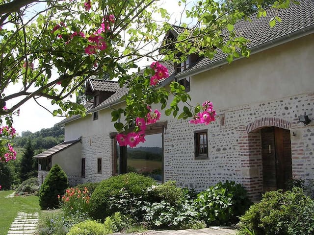 Charming EnSuite near Pau (+ breakf - Viven