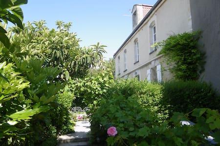 Chambre simple dans maison d'hôtes - Caen