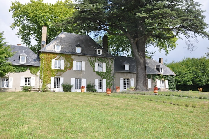 French mansion in Limousin, pool