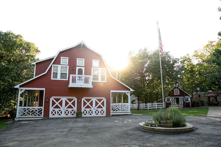 Secluded Farmstay at Okie Grown Farms