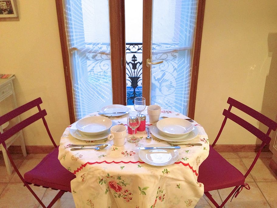 save money and dine is for some meals with the equipped kitchen with the doors open to your personal terrace