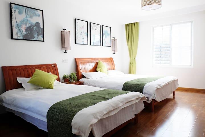 位于同里古镇景区内 森之旅设计师客栈  【二楼 亲子家庭房 双床】 - Suzhou - House