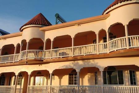 Rounde`view Ocean Resort - Port Antonio - House
