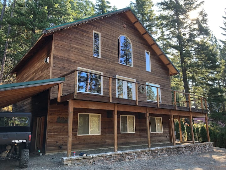 Quiet and Dog Friendly Mountain Cabin w/HotTub