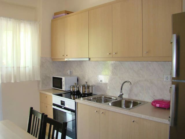 Charming, Sunny & Brand New apartment in Cholargos