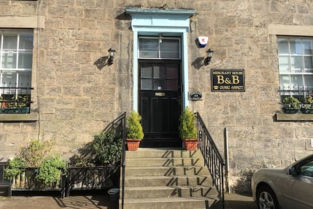 Merchant House B&B - Dysart