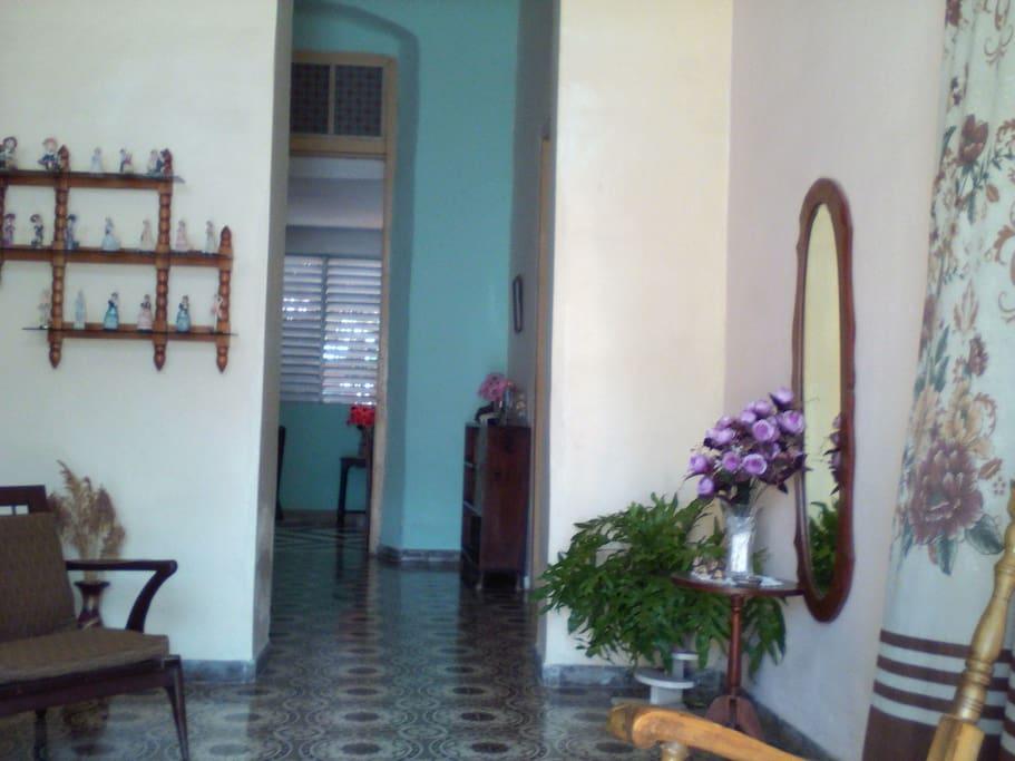 [English / Español] Living room. -- La sala.
