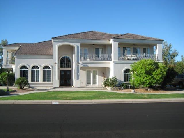 Hudson's Luxurious Villa