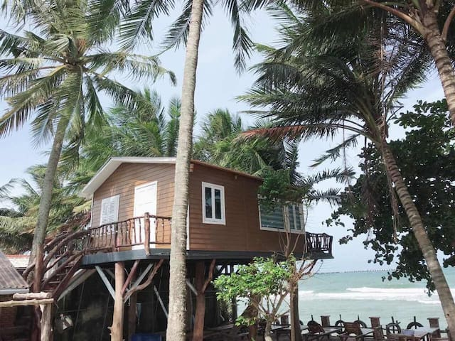 House on stilts with sea view - Phu Huy Homestay