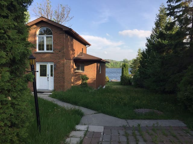 Cottage on a private lake - Sudbury - Casa