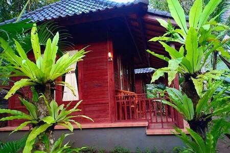 Green Hill Lodge (Gelar eco villa)