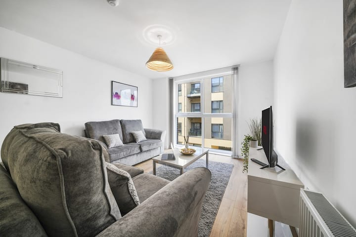 Large Spacious O2 Arena Brindley Place Apartment