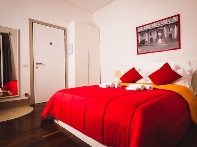 King-Standard-Ensuite in the heart of Rome