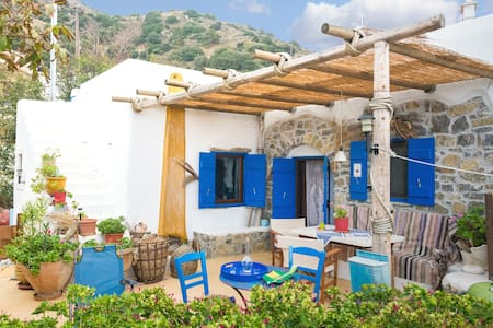 The architect's village house - Μυρσινη