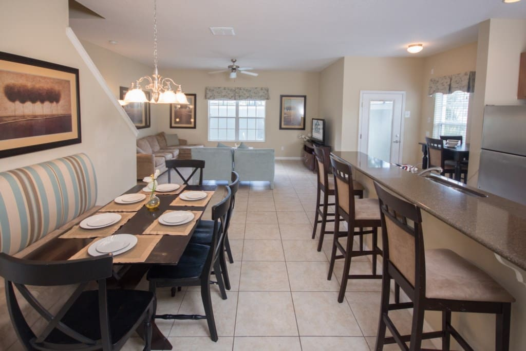Dining Room & Kitchen Area