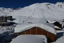 le front de neige, les pistes à proximité immédiate de la résidence