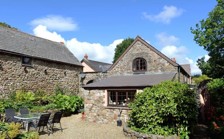 Barn Court Cottage, Pembrokeshire