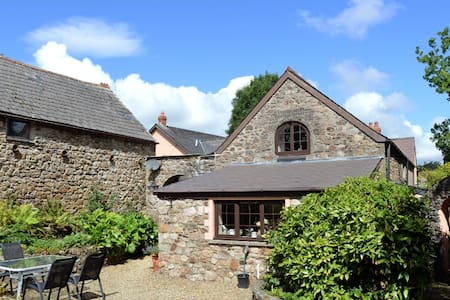 Barn Court Cottage, Pembrokeshire