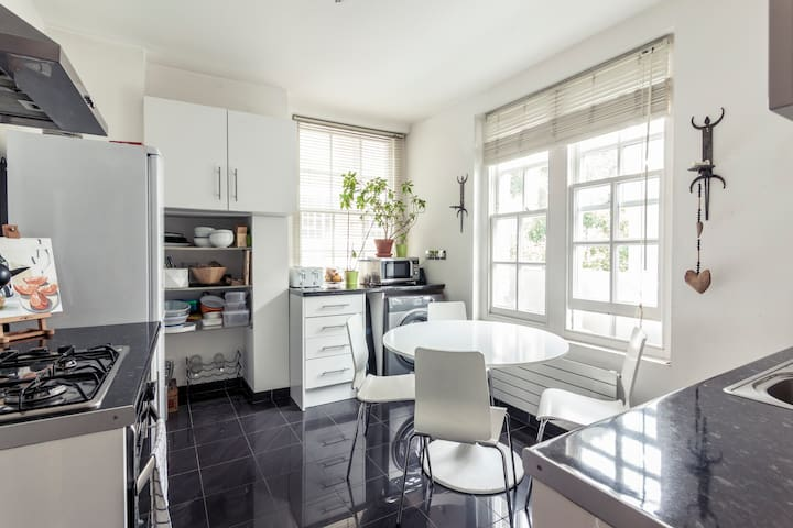 Bright, central apartment in Clerkenwell